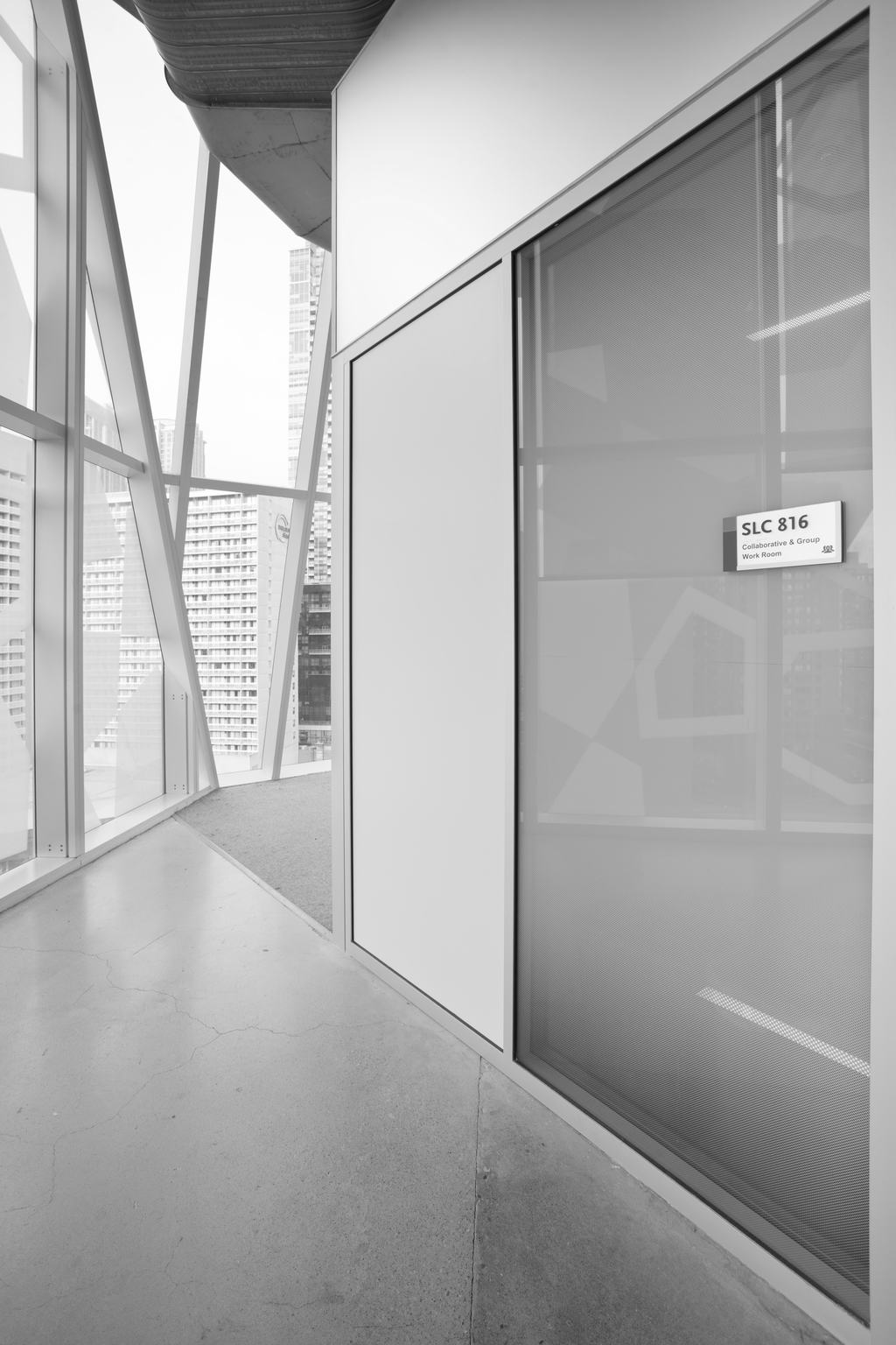 Ryerson-Student-Learning-Centre-interior-signage-meeting-space