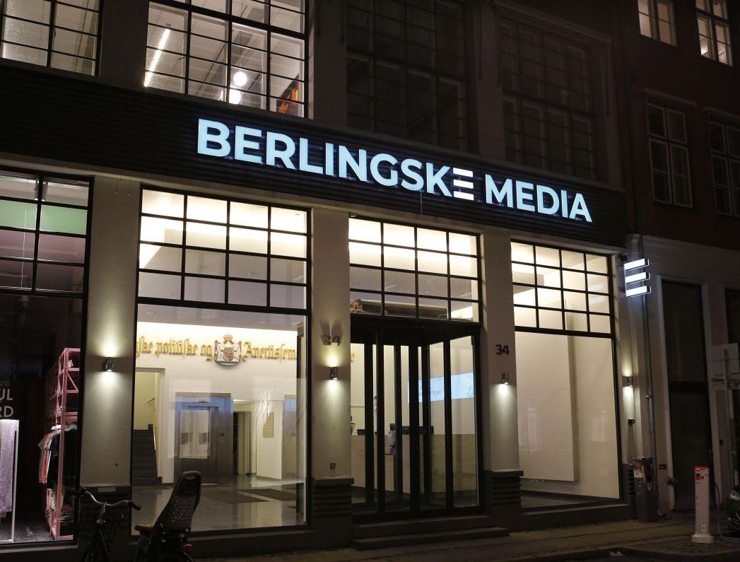 Illuminated Signs Denmark V6B4205 e1632475182663