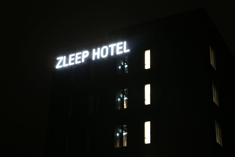 danmark-zleep-hotel-lysskilte-ydre-1